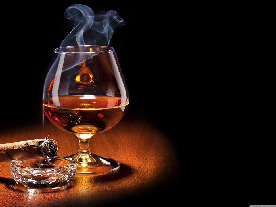 바탕화면 배경화면 Brandy Glass