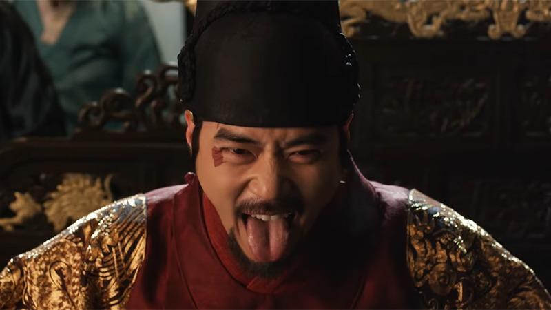 간신 영화에서 김강우의 연산군 연기는 좋은 평가를 받았다