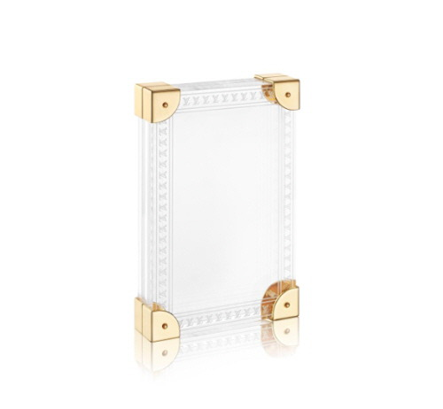 Louis Vuitton, Picture frame