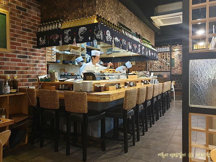 초밥집 오픈 주방