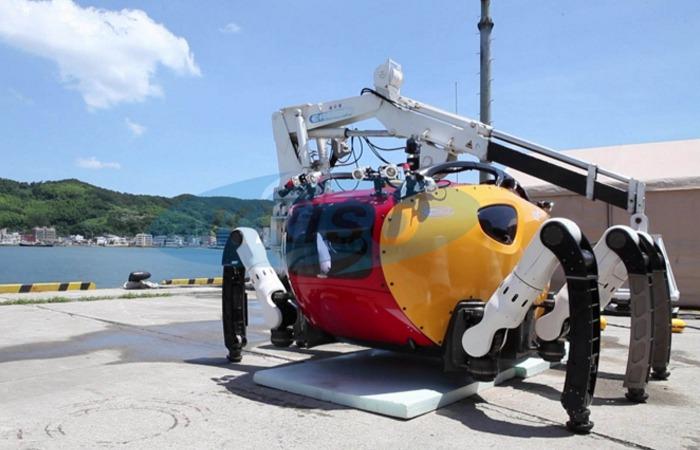사진: 선박해양플랜트 연구소 홈페이지에서 볼 수 있는 크랩스터6000의 모습. 마치 거미처럼 심해 바닥을 탐험할 수 있게 만들어졌다. [세계에서 가장 깊은 바다의 잠수정]