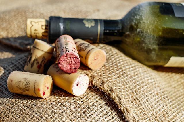 선물받은 와인 품종 확인부터 보관법, 유통기한 확인하는 팁