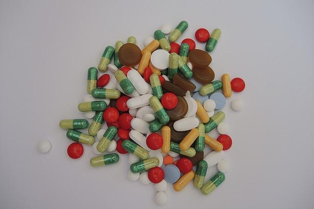 무심코 버린 쓰레기로 과태료 100만원 부과!!! 생활 속 올바른 분리수거 방법 [생활 정보]  의약품 분리수거함