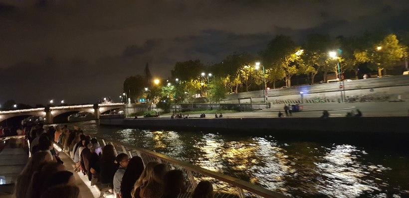 바토 파리지앵 센강 야경