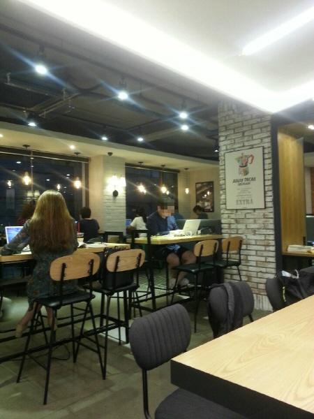 서울 영등포구 당산역 24시간 카페 - 할리스커피 당산역점