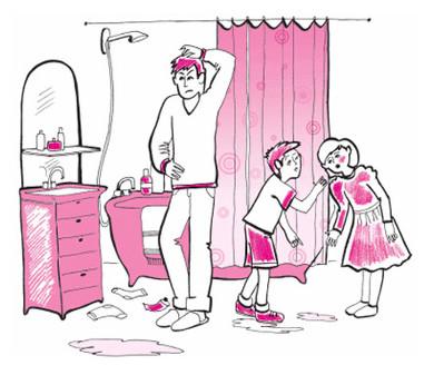오누이가 욕실을 더럽혔다고 서로 다투는 걸 아빠가 듣는다.