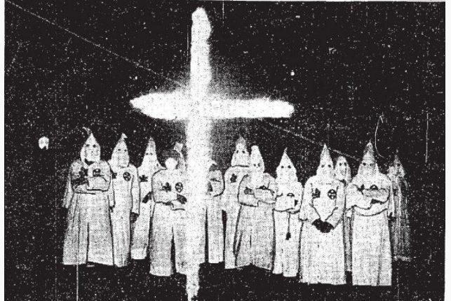 Ku-Klux-Klan-ceremony
