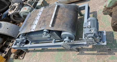for sale used  Magnet,  for sale used  Permanent Magnet, Magnet  2.2-2.5 KW, with conveyor,  Magnet body spection 800 x 540 x thickness 230 mm,  good condition,   smgyo@naver.com,             중고 자석, 중고 영구자석, 규격 2.2 kw - 2.5 kw,  ..