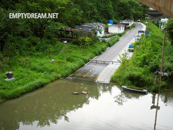 서울 청계천 중랑천 범람, 도로 산책로 등 침수 모습, 성동교 고산자교