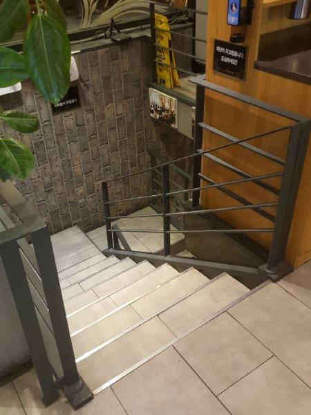 카페베네 계단