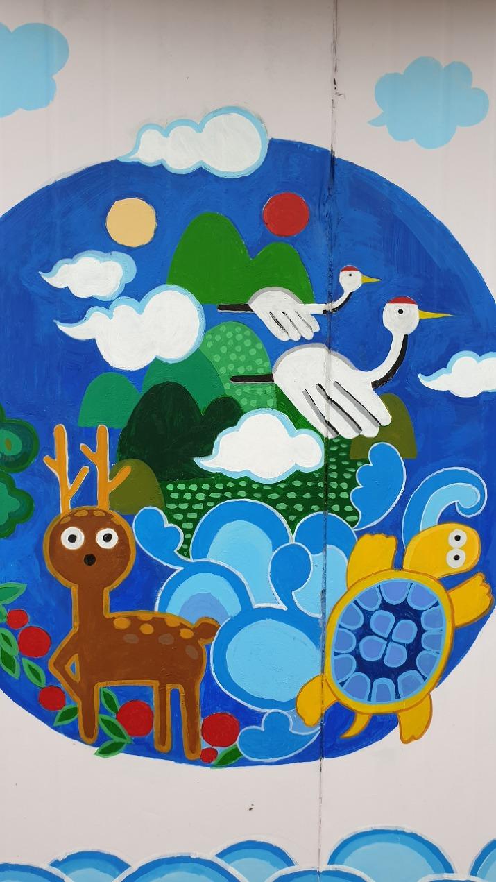 사슴, 학, 거북이 벽화