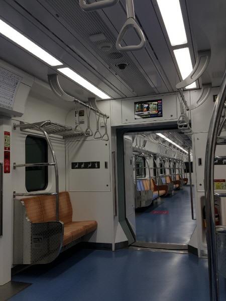 신분당선 지하철 객차