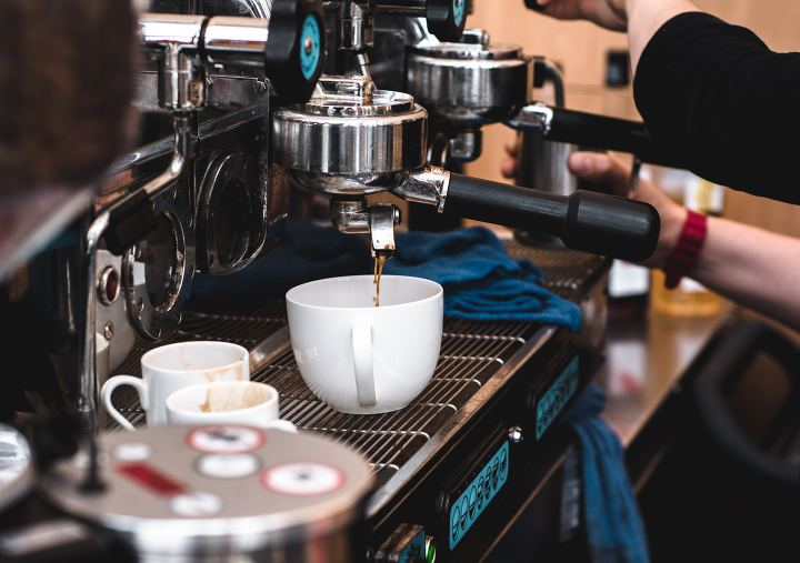 카페 알바생 3