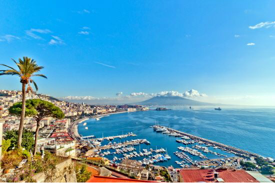 나폴리는 지중해의 멋진 해안 풍경을 선사한다.(사진=참좋은여행 제공)