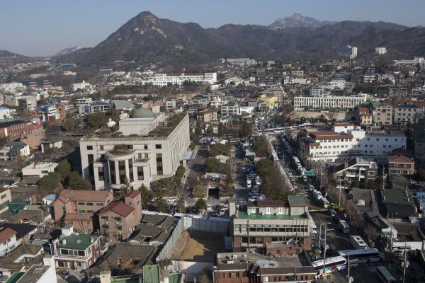 박근혜 대통령 탄핵 심판 선고일인 10일 오전 서울 재동 헌법재판소 전경.사진공동취재단