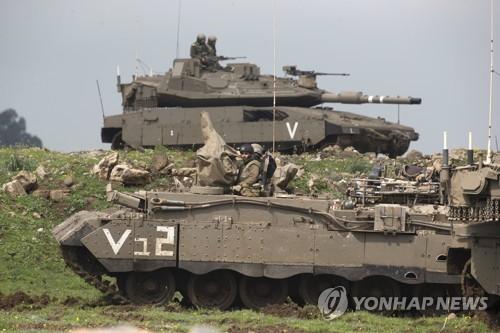 이달 20일 이스라엘군이 시리아 인접 골란고원에서 훈련을 하고 있다. [EPA=연합뉴스]