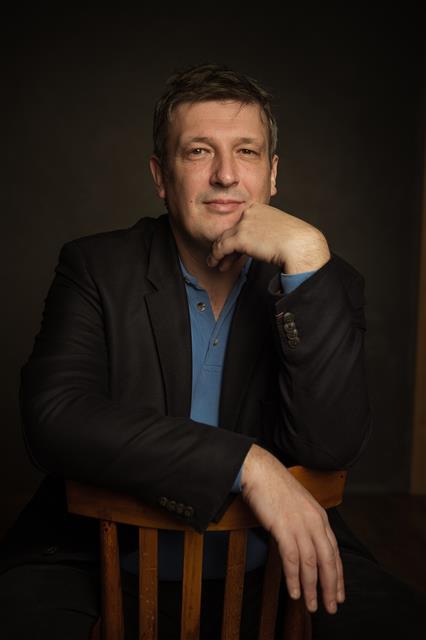"""내한 때마다 파격적인 프로그램을 선보였던 보리스 베레좁스키는 이번 무대에선 스트라빈스키와 스카를라티, 쇼팽의 음악을 들려줄 예정이다. 그는 """"지난해 예정됐던 공연이 건강 문제로 취소됐던 만큼 이번 서울 공연이 더욱 기다려진다""""고 말했다.마스트미디어 제공"""