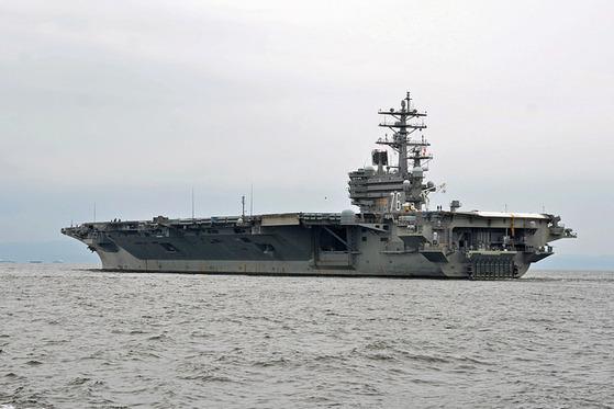 로널드 레이건함이 지난 16일 모항인 일본 요코스카를 떠나고 있다. [사진 미국 태평양사령부]