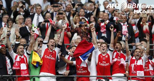 아스날이 첼시를 꺾고 2016-17 FA컵에서 우승을 차지했다. 사진=AFPBBNews=News1