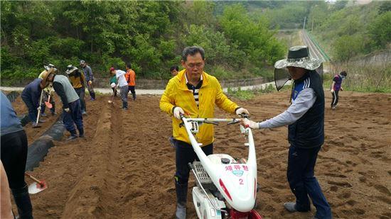 서울시 체류형 귀농 지원 사업 참가자들이 귀농교육을 받고 있다. 사진제공=서울시