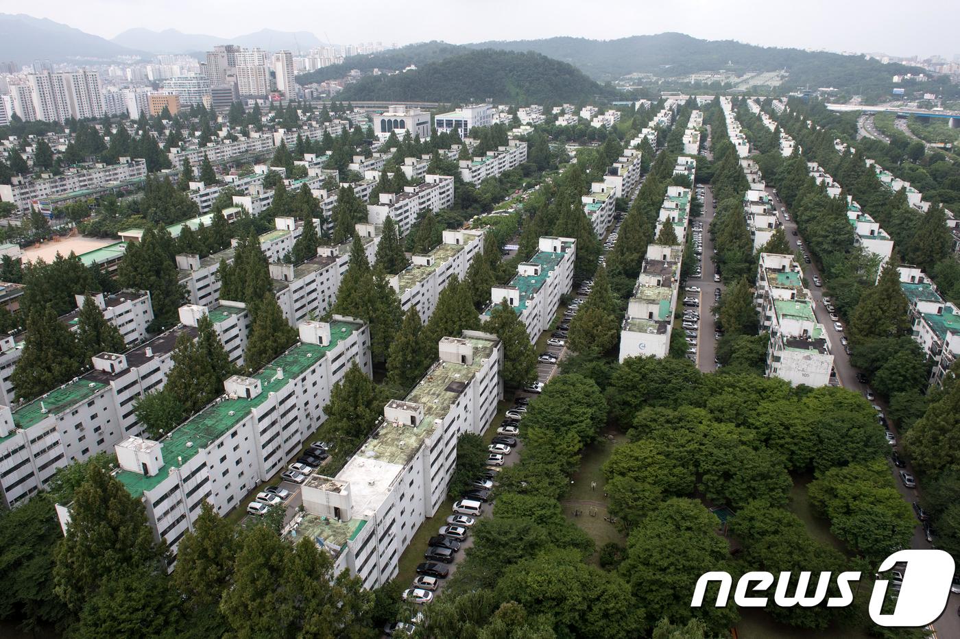 서울 서초구 반포주공1단지 전경. © News1 이승배 기자