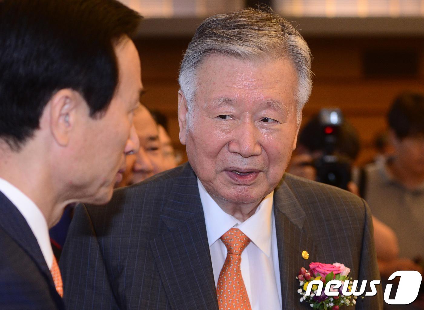 이중근 부영그룹 회장/뉴스1 DB © News1 신웅수 기자