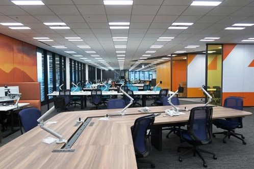 사무실 내 양말형 테이블 /사진=요미우리신문 홈페이지