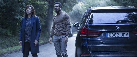 전주국제영화제에서의 호평이 개봉으로 이어진 스페인 스릴러 '인비저블 게스트'.[사진 각 수입사]