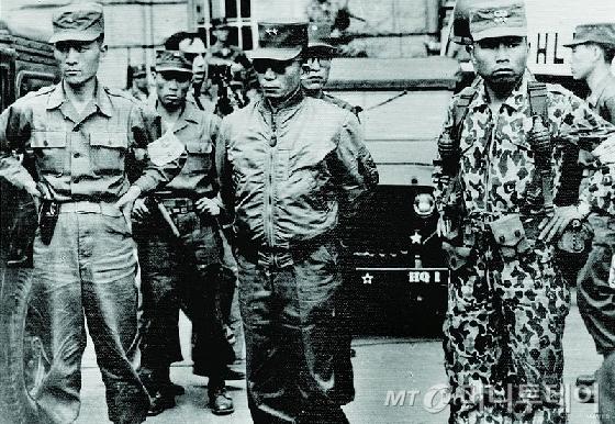박정희 국가재건최고회의 의장은 1962년 개헌을 통해 영장발부 권한을 검찰에게 줬다./사진=머니투데이DB