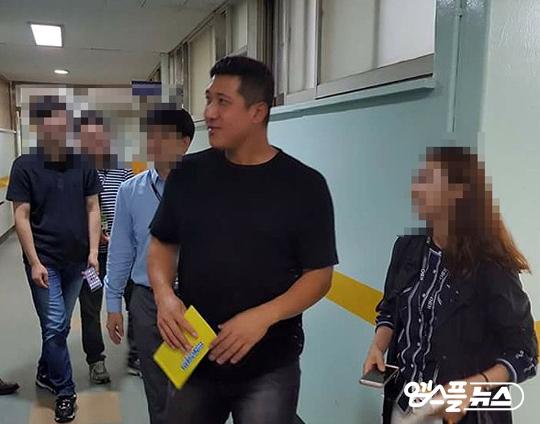 9월 12일 잠실구장을 방문한 황재균(사진=엠스플뉴스 김원익 기자)