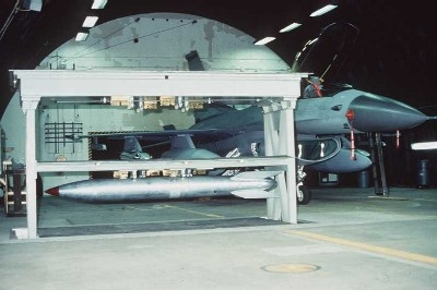 미국 및 NATO 공군 F-16 전투기에 탑재 가능한 B61 핵폭탄. (사진=미 공군 제공)