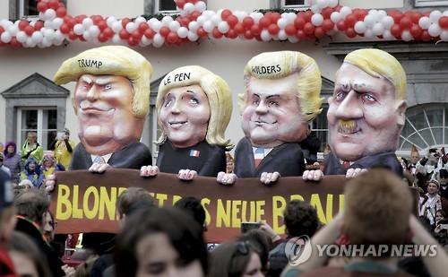 독일 카니발에서 도널드 트럼프 미국 대통령을 비롯한 세계 포퓰리스트 지도자들을 풍자하는 인형들[EPA=연합뉴스 자료사진]