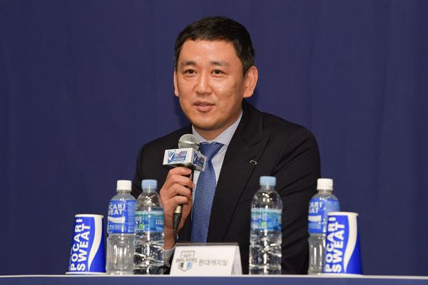 현대캐피탈 최태웅 감독.
