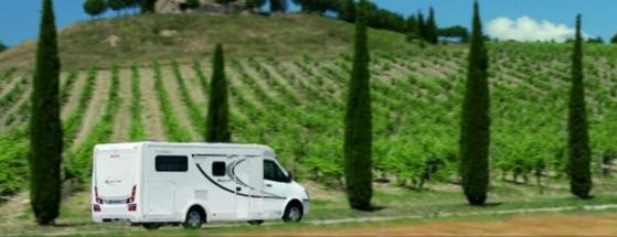인터넷으로 예약한 2인용(2 bed) 캠핑카. 캠핑카(Camping car)는 우리식 표현이고, 영어권에서는 보통 모터홈(Motor home)이라고 말한다. [사진 ideamerge.com]