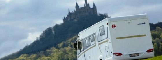 이탈리아 북부, 스위스, 오스트리아에 걸쳐있는 알프스 길은 험하고 가파르기로 유명하다. 곳에 따라선 11월부터 스노타이어 등 장비를 갖추지 않은 차량은 출입을 통제한다. [사진 ideamerge.com]