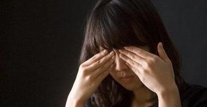 안면경련증에 걸리면 초기에 눈 주변이 떨리다 입꼬리가 올라가거나 얼굴 전체에 경련이 생긴다./사진=헬스조선DB
