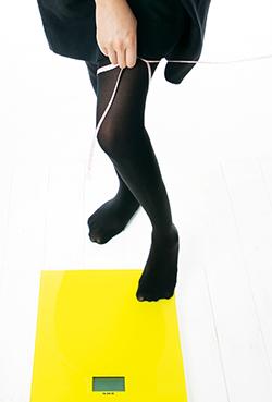 척추 건강을 지키려면 금연하고 비만하지 않도록 체중을 관리하는 게 중요하다/사진=헬스조선 DB