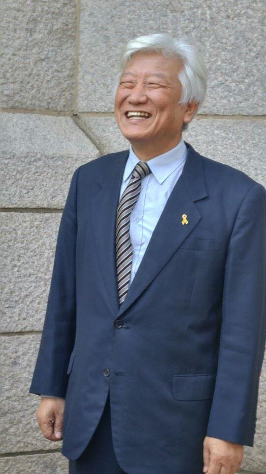 20일 퇴임을 앞둔 김영주 한국기독교교회연합회(NCCK) 총무는 세금과 세습에서 자유롭지 못한 교회는 그 자체가 악이라고 강조했다. NCCK는 예장통합, 감리교, 구세군, 성공회 등 9개 교단의 연합체로 개신교내 진보 운동을 상징한다.