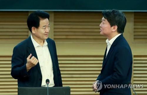 국민의당 안철수 대표(오른쪽)와 정동영 의원 [연합뉴스 자료사진]