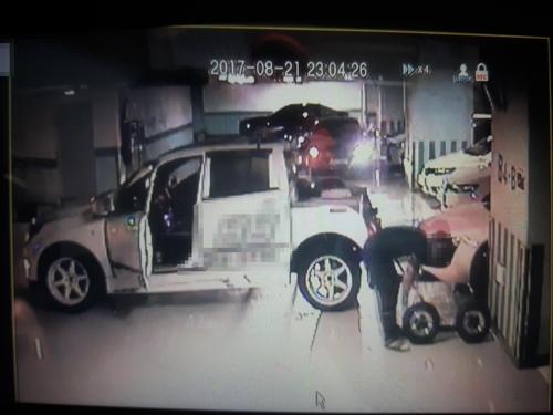 대포차를 렌터카로 속여 빌려준 뒤 훔치는 장면 [부산경찰청 제공=연합뉴스]