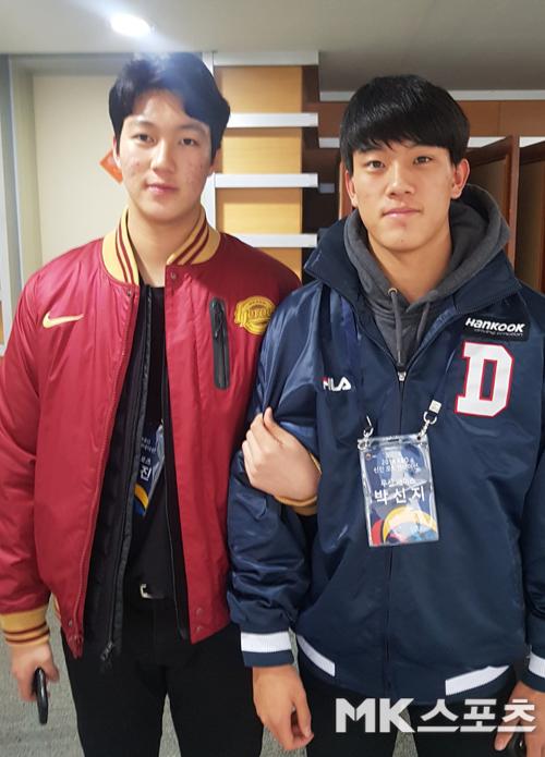 넥센 안우진(왼쪽)이 10일 대전컨벤션센터에서 열린 2018 KBO 신인 오리엔테이션에 참석했다. 사진=한이정 기자