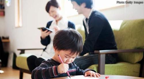 어린이가 자기 일에 정신이 팔려 있다고 생각해서는 안된다[NHK 캡처]