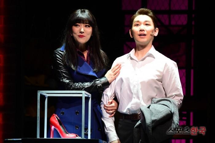 김호영 '구두 가격에 입이 떡'