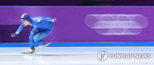[올림픽] 김민석 '질주' (강릉=연합뉴스) 김주성 기자 = 13일 오후 강릉 스피드스케이팅경기장에서 열린 2018 평창동계올림픽 스피드스케이팅 남자 1,500m 경기에서 김민석이 결승선을 향해 질주하고 있다. 김민석은 1분44초93의 기록으로 동메달을 차지했다. 2018.2.13      utzza@yna.co.kr