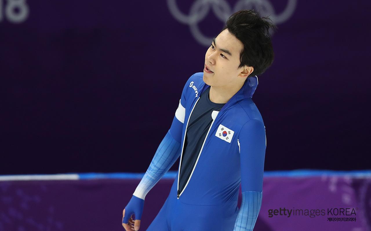 김민석이 동메달 확정 짓고 달려가 와락 껴안은 코치의 정체 #YTN