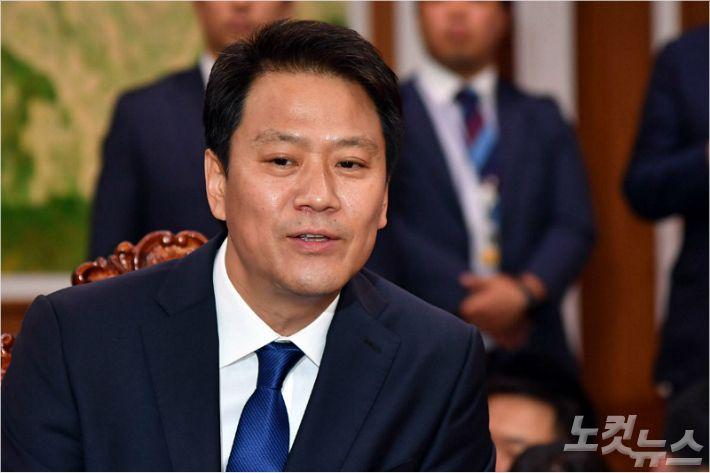 靑, 대북 특사단장에 임종석, 단원에 서훈 국정원장 '가닥' #노컷뉴스