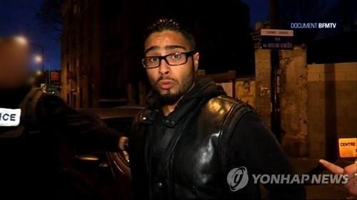 석방된 벤다우드의 2015년 11월 방송 인터뷰 모습 [AFP=연합뉴스 자료사진]