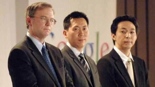 2007년 구글코리아 기자간담회 당시 조원규 스켈터랩스 대표(맨 오른쪽)와 에릭 슈미트 회장(맨 왼쪽)의 모습. 한경DB