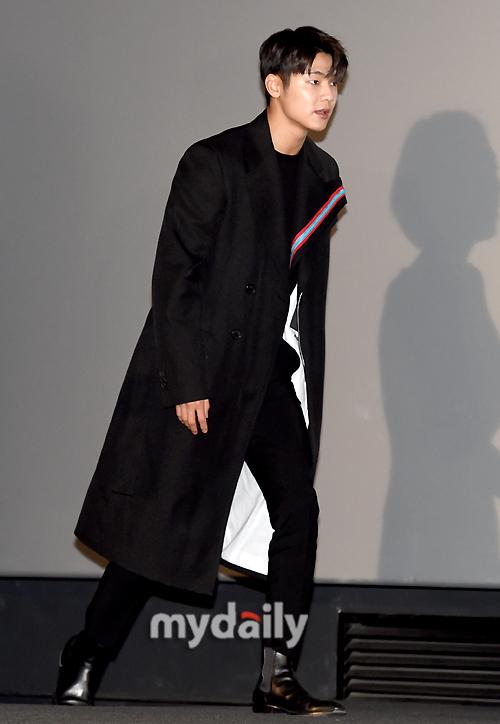 [MD포토] 강민혁 '영화배우로 참석하는 떨리는 발걸음'