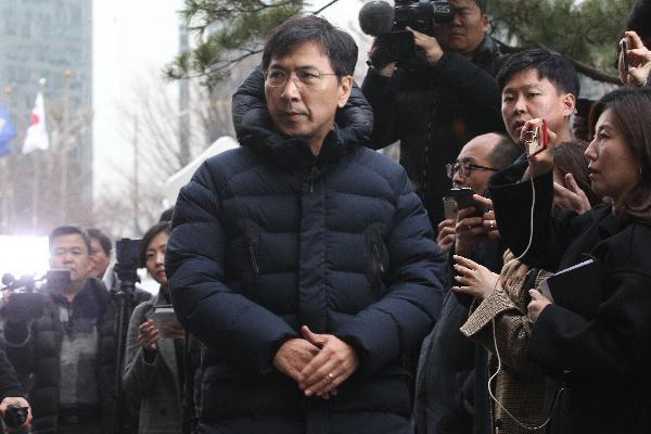 비서 성폭행 의혹을 받고 있는 안희정 전 충남도지사는 지난 9일 서울 서부지검에 출석하는 모습. /장련성 객원기자